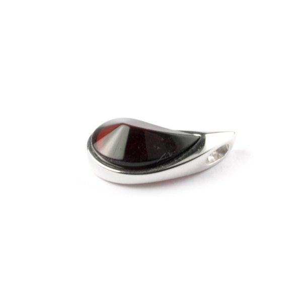 silver-pendant-with-cherry-amber-venera-side