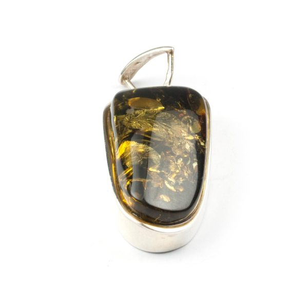 silver-pendant-with-green-amber-piece-sideview-3