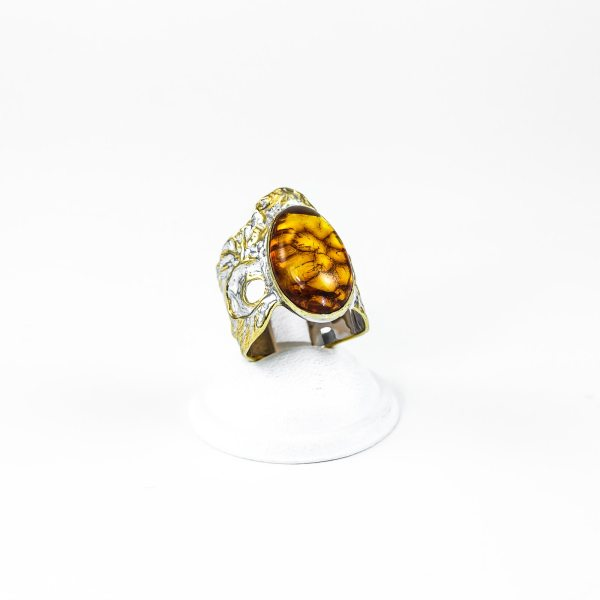silver-ring-with-amber