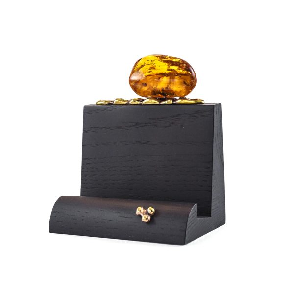 visit-card-holder-with-amber-piece
