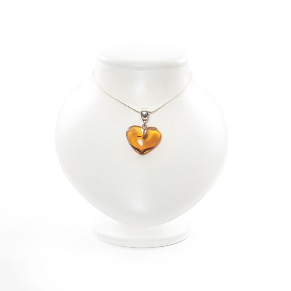 natural-baltic-amber-pendant-on-silver-holder-voyage-main