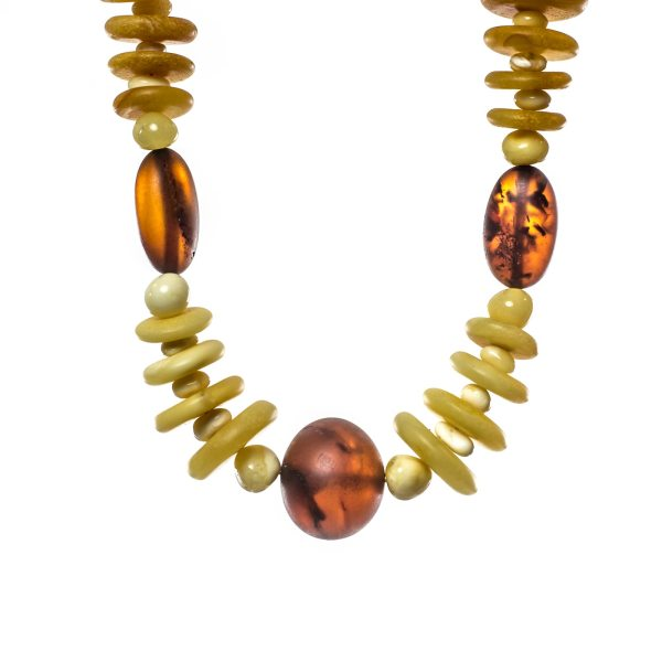 natural-unpolished-baltic-amber-necklace-azure-close-view