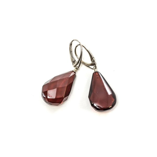 silver-earrings-with-natural-baltic-amber-laurel