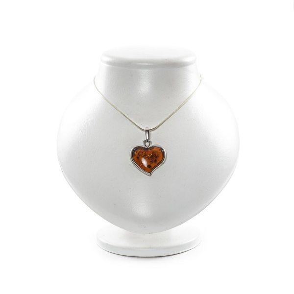 silver-pendant-and-natural-baltic-amber-velentine