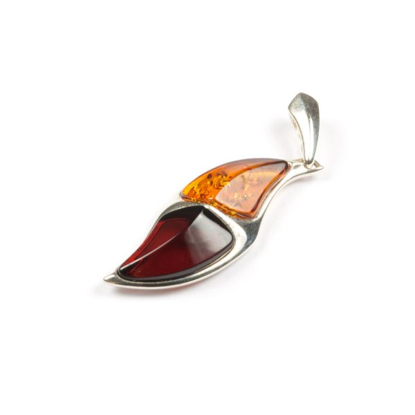 silver-pendant-with-natural-baltic-amber-cammie