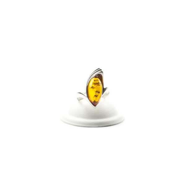 silver-ring-with-natural-baltic-amber-jacqueline-cognac-front