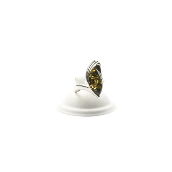 silver-ring-with-natural-baltic-amber-jacqueline-green-front