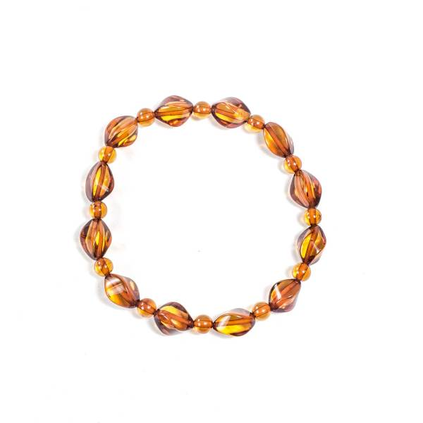 faceted-bracelet-from-natural-baltic-amber-sympatico-cognac-top-view