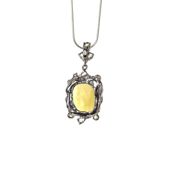 silver-pendant-with-natural-baltic-amber-manis-back