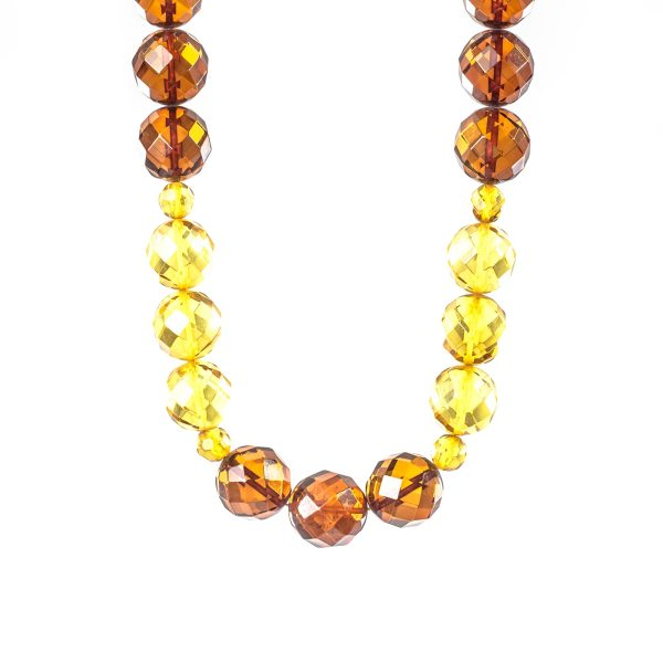 natural-baltic-amber-beads-paradise-view