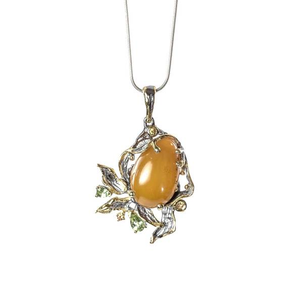 Elegant Pendant with Yellow amber and Citrini with necklace