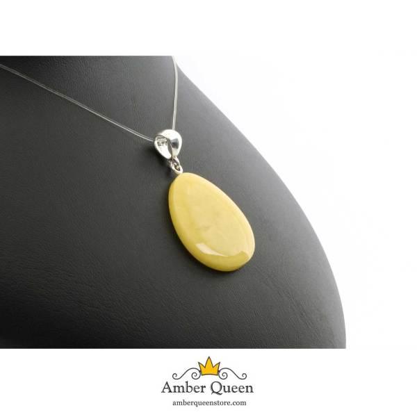 Yellow Medalion Amber Pendant