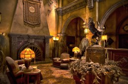 Hollywood Tower Hotel Lobby