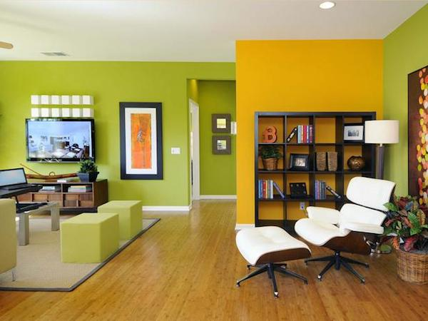 An-accent-wall-within-living-room-colors