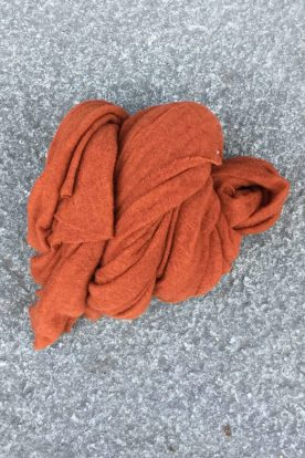 Rust 'Luxury' skjerf i 100% supersoft cashmere fra Natura Casmere. Medium size: 100*160 cm