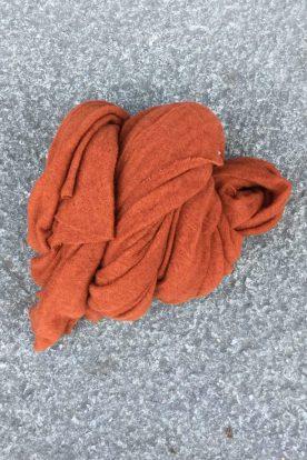 Rust 'Luxury' skjerf i 100% supersoft cashmere fra Natura Casmere. Medium size: 100*160 cm