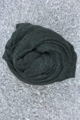 Dark green 'Luxury' skjerf i 100% supersoft cashmere fra Natura Casmere. Medium size: 100*160 cm
