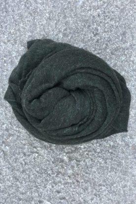 Dark green 'Luxury' skjerf i 100% supersoft cashmere fra Natura Casmere. Medium size: 100*160 cm