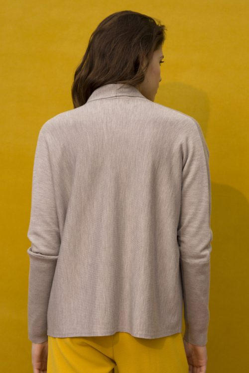 Taupe melange cardigan Cathrine Hammel -117.118 short shawl cardigan