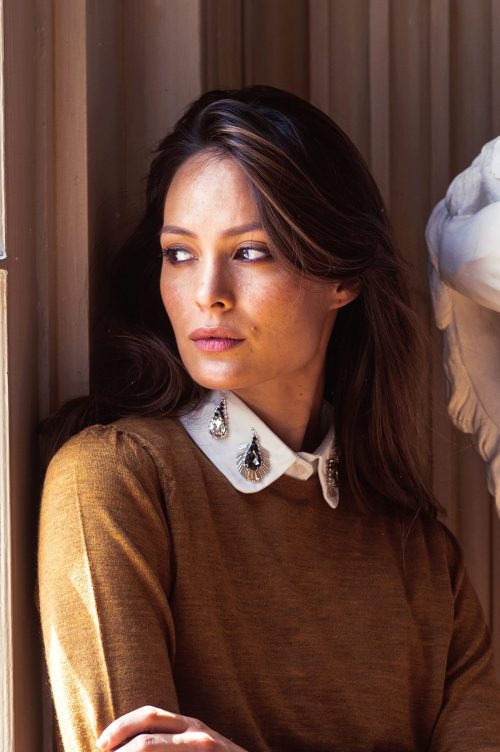 Diverse hvite eller sorte løskrager Katrin Uri - 001 collar