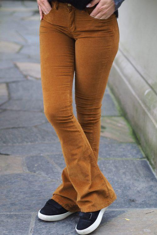 Sort, cognactobakk, blodrød eller ecru velour flare bukse Lois Jeans - raval 207 velvet smooth 5560