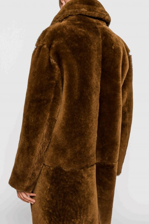 Supertrendy cognacbrun shearling lammeskinnskåpe One & Another - mongolia coat