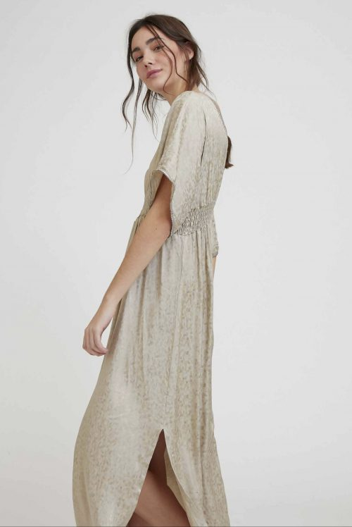 Lang taupe beige blank lang kjole med empirisk liv Nekane - marcellac jh