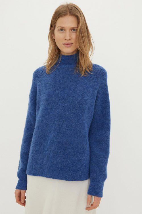 Soft white eller kornblå mohair mix ribbet genser By Malene Birger - Q67273003