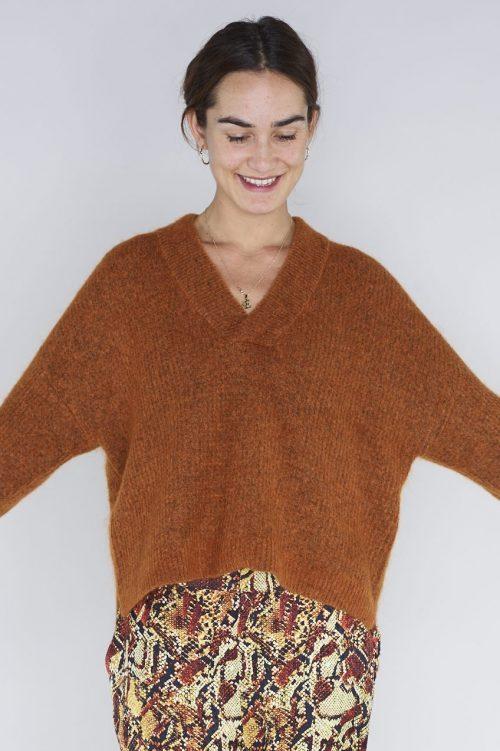Rust eller flaskegrønn mohairmiks genser med trendy dyp v-hals Gestuz - brenda v-pullover 3743