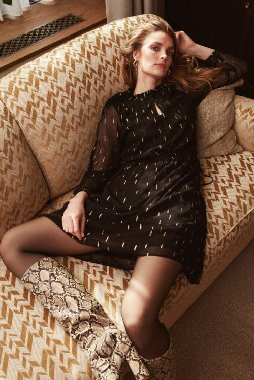 Sort med gullspots chiffon viskose kjole Katrin Uri - 622 doriana gold dress