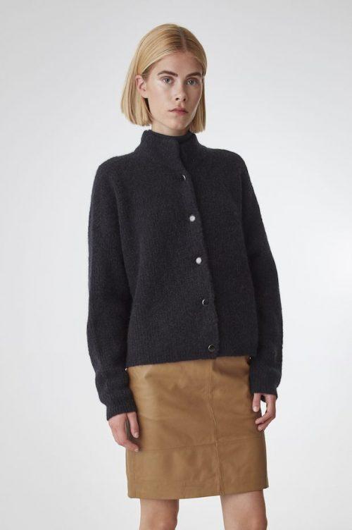 Sort eller offwhite oversized cardigan med krave Gestuz - debbie cardigan 10904126