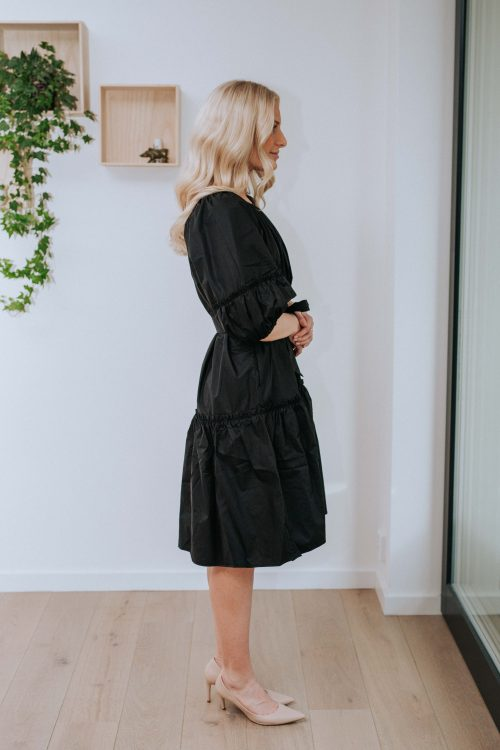 Sort bomull/pol kjole med voluminøse ermer og belte Cathrine Hammel - 254.120 midi short sleeve dress