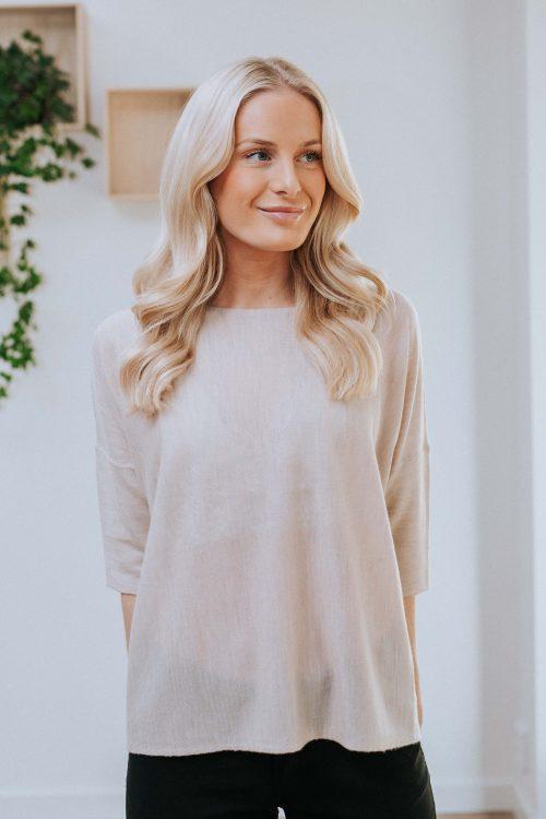 Sand eller sort tynn merinoull vid topp med 3/4 erm Cathrine Hammel - 100.120 wide tee shirt