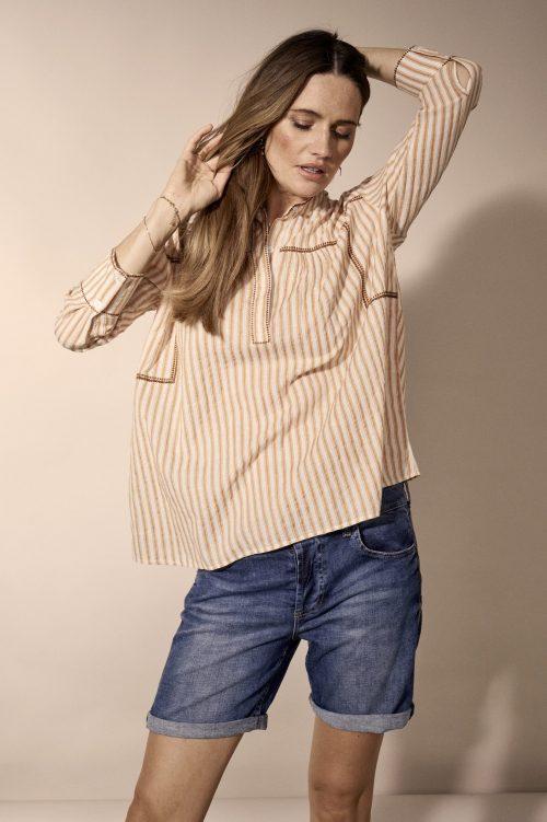Myk chambre jeans shorts med gullstripe-detaljer i siden Mos Mosh - 133750 ava faith shorts