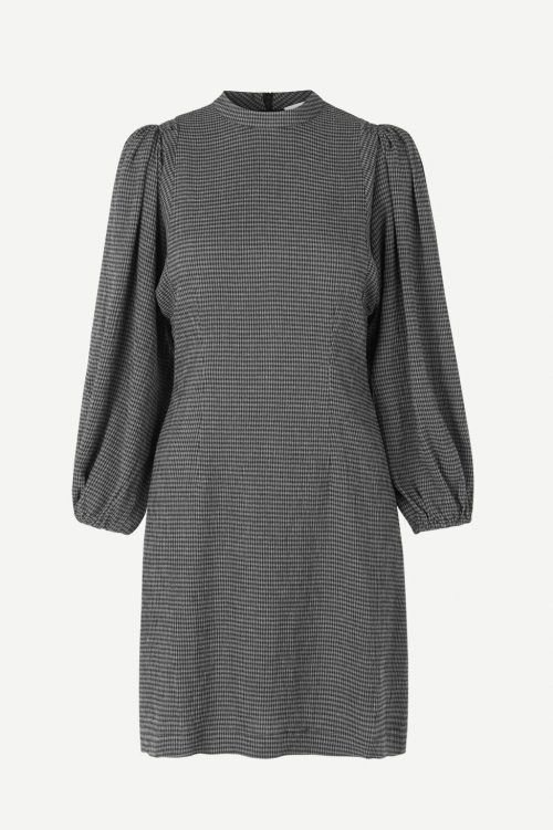 Sort kjole med trendy puffermer Samsøe - 11238 harrietta short dress