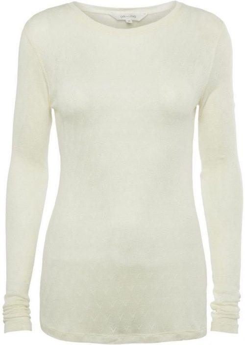 Offwhite eller sort strikket silke/viskose topp med romantisk mønster. En fantastisk basic topp som setter prikken over i´n. Gai+Lisva - Fermi 10599 85% viskose, 15% silke