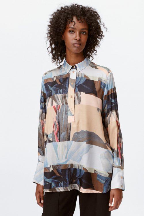 Camelsortblå mønstret silke/viskose oversized skjorte Munthe - lense 1010