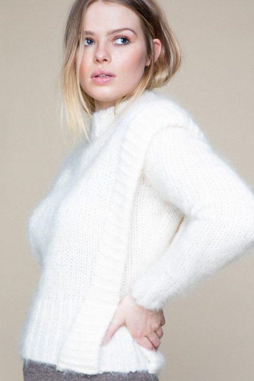 Offwhite trendy mohair grovstrikket genser Ella&Il - ally