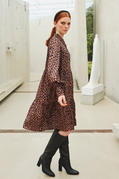 Brunette grafisk hamret viskose kjole Katrin Uri - 622 genevive abraham dress