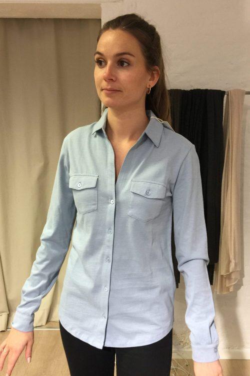 Isblå, høstorange, hvit eller marine signatur-skjorte med brystlommer Majestic - M007-fch-006 100% de luxe bomull