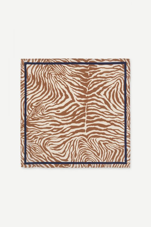 Mountain zebra silkeskjerf Samsøe - Haila scarf aop 9394 / mål 40cm*40 cm