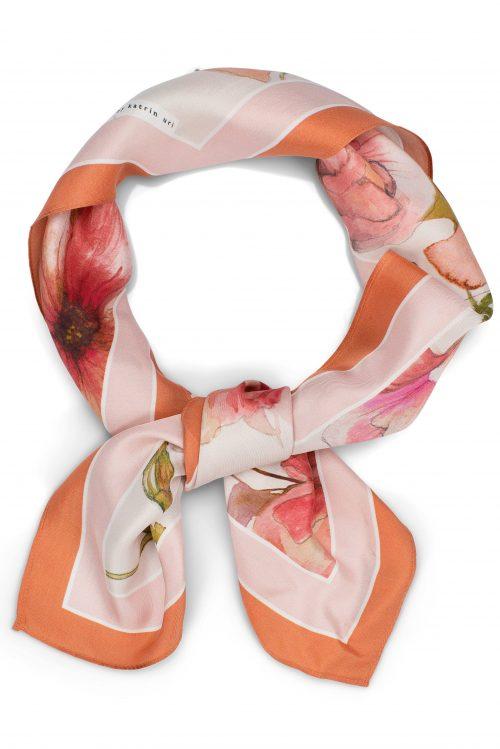 Fleur peach lite silke skjerf Katrin Uri - 972 Mål: 70 x 70 cm