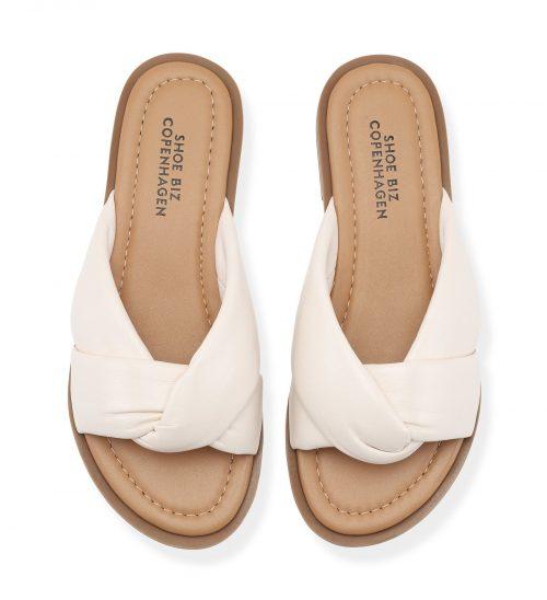 Cream søt skinn sandal Shoe Biz - sikita