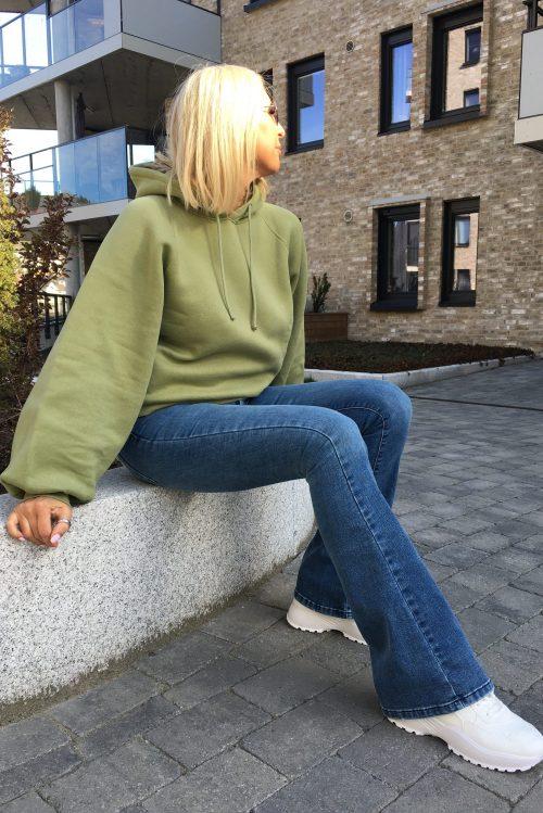 Olivengrønn eller taupe-rosa bomullsmix hoodie American Vintage - ika03a Flare jeans 'Raval' Lois jeans - 2007-5374 Re Ram Cobalt Raval 16