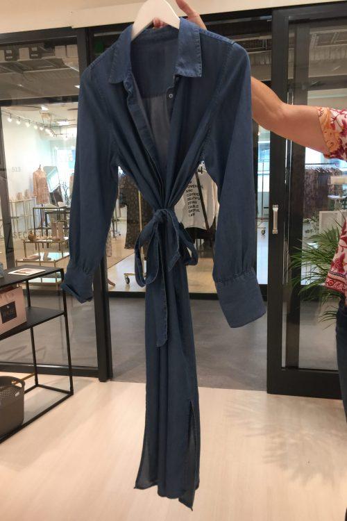 Jeansblå tencel lang skjortekjole med belte Amuse - 8606 (fra innkjøpet)