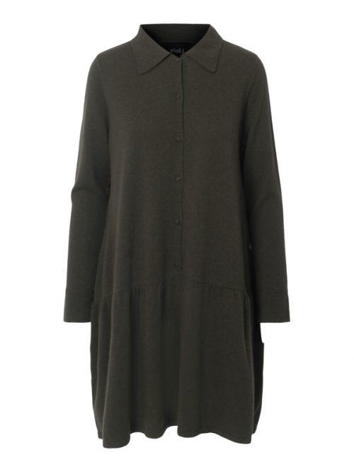 Grønn (ikke sort) vid strikket cashmere/merino skjortekjole med kappe Ella&Il - elsa wool dress