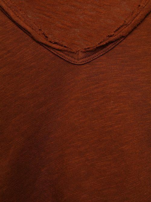 Rød, vinrød, hvit, gressgrønn bomullstopp med v-hals og råkant American Vintage - son02B