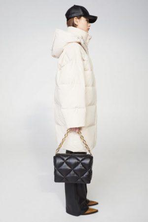 Offwhite oversized boblekåpe Stand - 61439-8670 lyla coat supreme poly