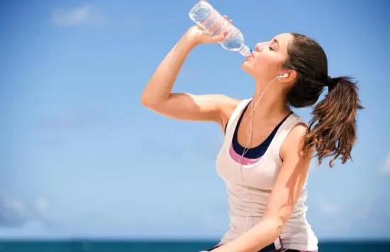 quando bere acqua 10 consigli per bere acqua nel modo corretto