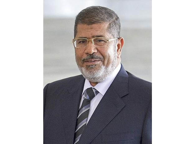 Egypt's ousted president Mohammed Morsi collapses in court, dies